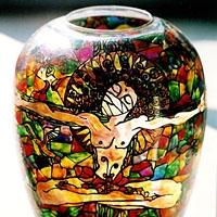 Peinture sur vase en verre
